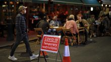 Covid-19 : comment résistent les restaurants à l'étranger ?