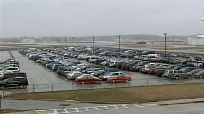 Airport Parking Lots Packed, Some Full