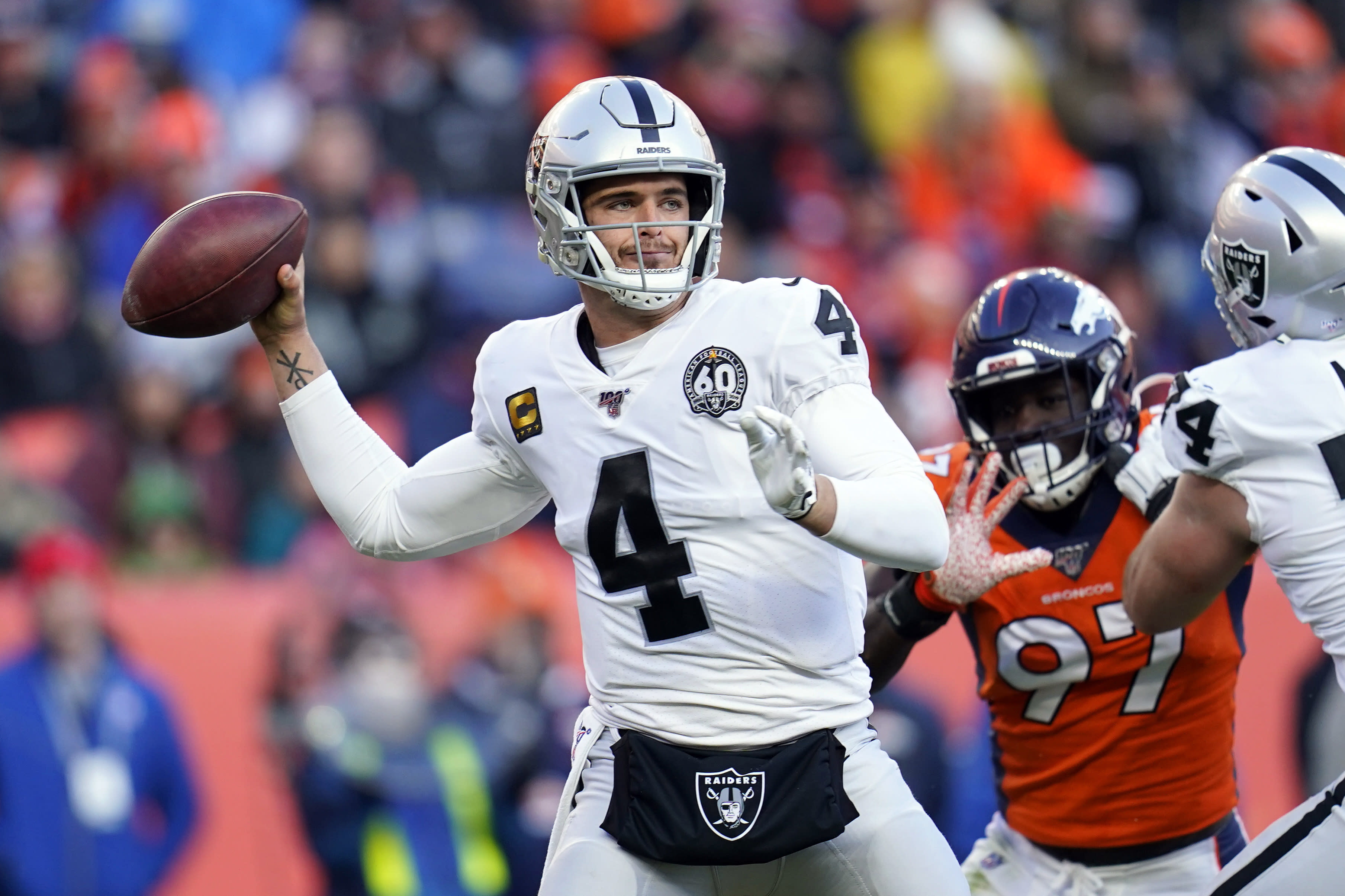 Raiders QB Derek Carr: 'I'm tired of being disrespected'
