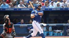 Kendrys Morales makes Blue Jays history with homers in 7 straight