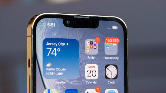 Apple iPhone 13 Pro display