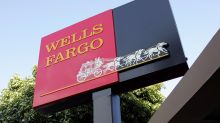 Wells Fargo's stock falls after another disappointing outlook, hawkish rate view