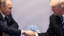 Trump défend bec et ongles son échange controversé avec Poutine