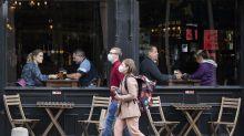 El dueño de un bar en Florida prohíbe las máscaras y expulsará a quienes se cubran la cara