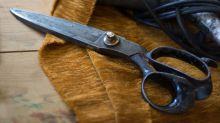 Lifehack: Stumpfe Schere mit Alufolie schärfen