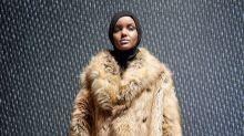 Musulmana con hijab en la pasarela de Kanye West