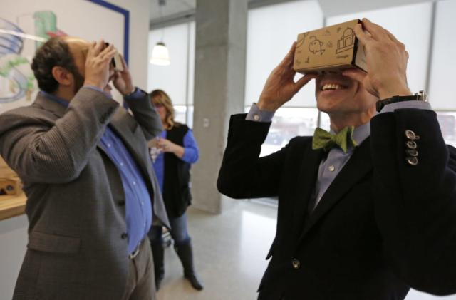 Google open sources Cardboard as it retreats from phone-based VR