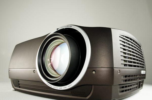 projectiondesign ReaLED illuminated FL32 projector to debut at InfoComm '09