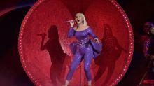 Katy Perry se desprende del No. 1 y vuelve a sonreír