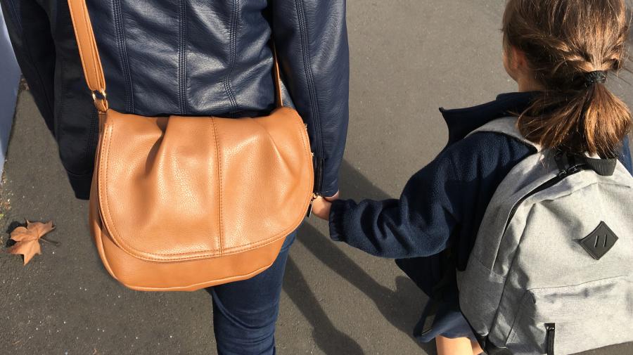 School introduces a dress code for parents