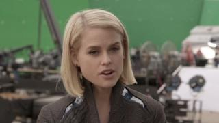 Star Trek Into Darkness: Alice Eve On Working With The Cast