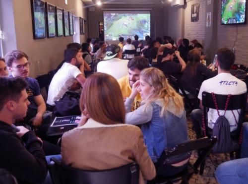 Riot Games lança portal universitário UNILoL para estudantes de todo país