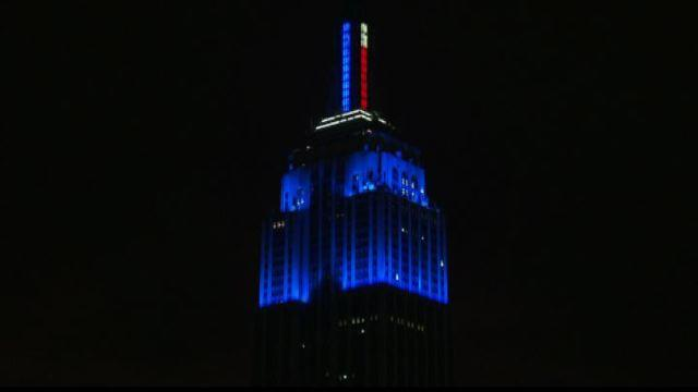 Usa 2012, l'Empire State Building in blu per Obama - VideoDoc