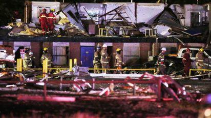 2 dead after likely tornado slams Oklahoma town