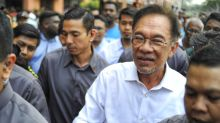 Saying wrong to 'victimise the media', Anwar urges AG to review contempt case against Malaysiakini