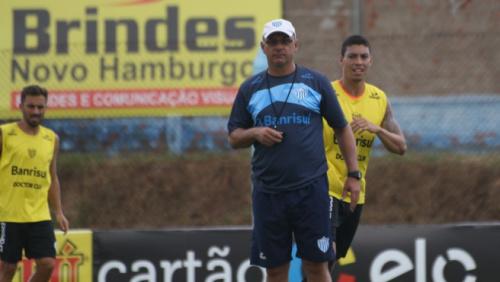 Técnico elogia Novo Hamburgo, mas quer foco na semi contra o Grêmio