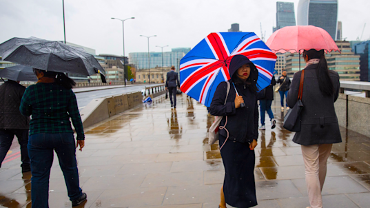 Consumer confidence in the UK plummets in wake of the hung parliament