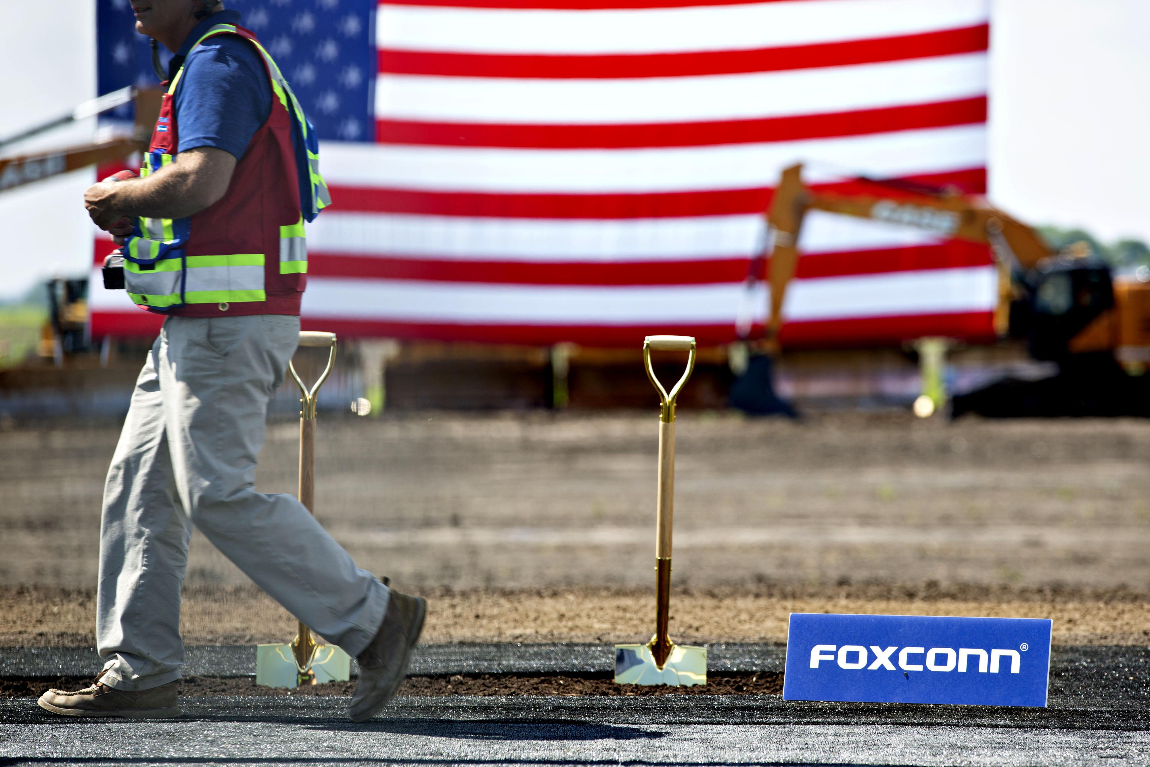Foxconn May Slow Pace of Recruitment at New Wisconsin Plant