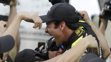 Pagenaud holds off Rossi to win Indianapolis 500