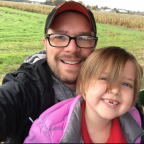 Exhausted father shows love for teachers after field trip to pumpkin patch: 'You are incredible'