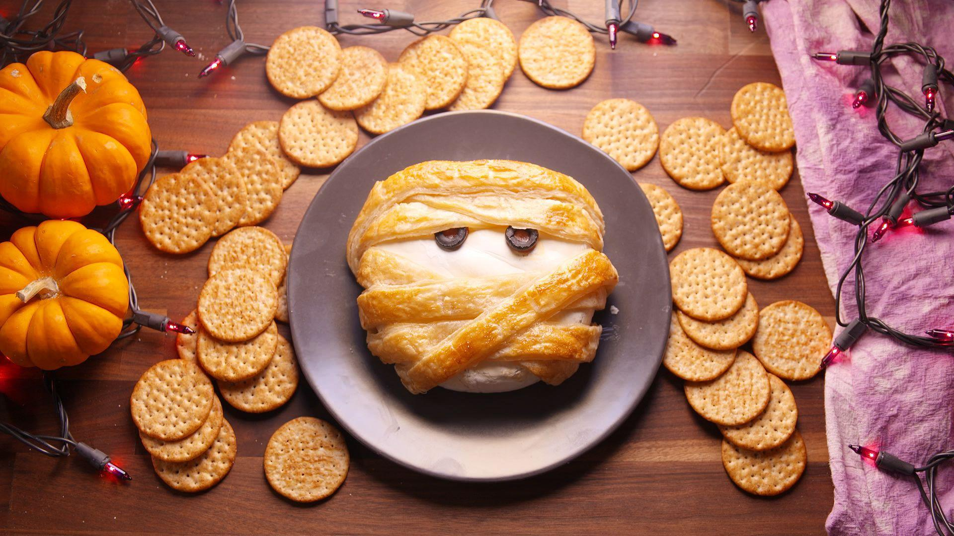20 Halloween Food Ideas So Good, They're Scary. Upcycled Organization Ideas. Ideas For A No Grass Backyard. Party Ideas At Home For Tweens. Landscaping Ideas Victoria Bc. Lunch Ideas Philadelphia. Decorating Ideas Nz. Kitchen Paint Color Ideas With Honey Oak Cabinets. Bar Offer Ideas
