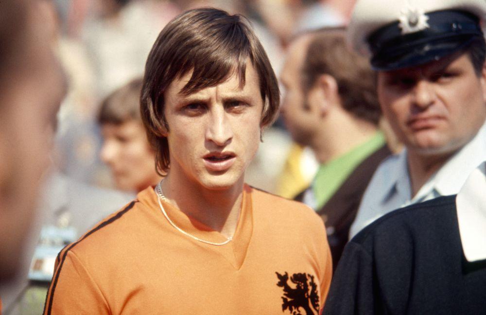 Barcellona, omaggio a Cruyff: sarà intitolato a lui lo stadio della 'Ciutat Esportiva'
