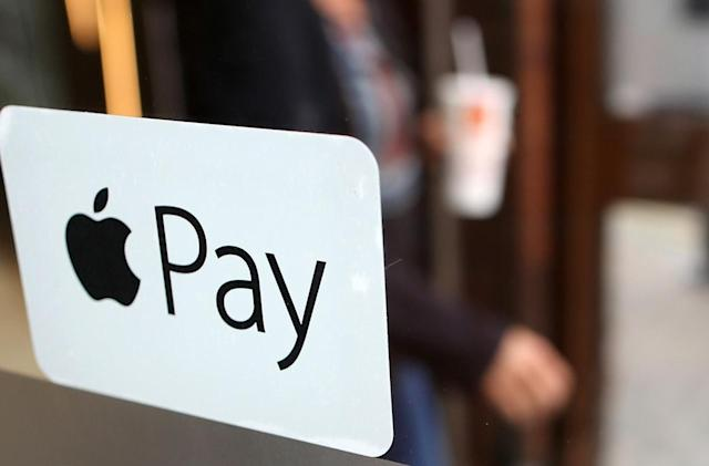 Lloyds and Halifax now support Apple Pay in the UK