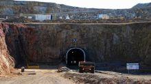 Una minera sudafricana deja de invertir en Argentina y analiza ir a Colombia