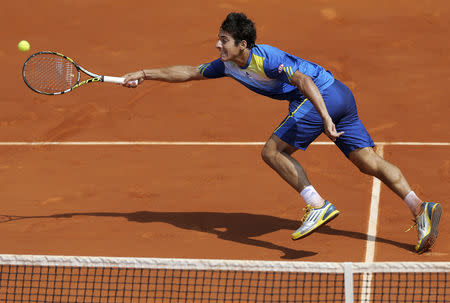 6a9e4759931 Imagen de archivo del tenista chileno Christian Garin durante un partido  contra el alemán Alexander Zverev