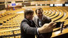 Puigdemont hace migas con Vox en Europa: el alarmismo de la ultraderecha española le favorece