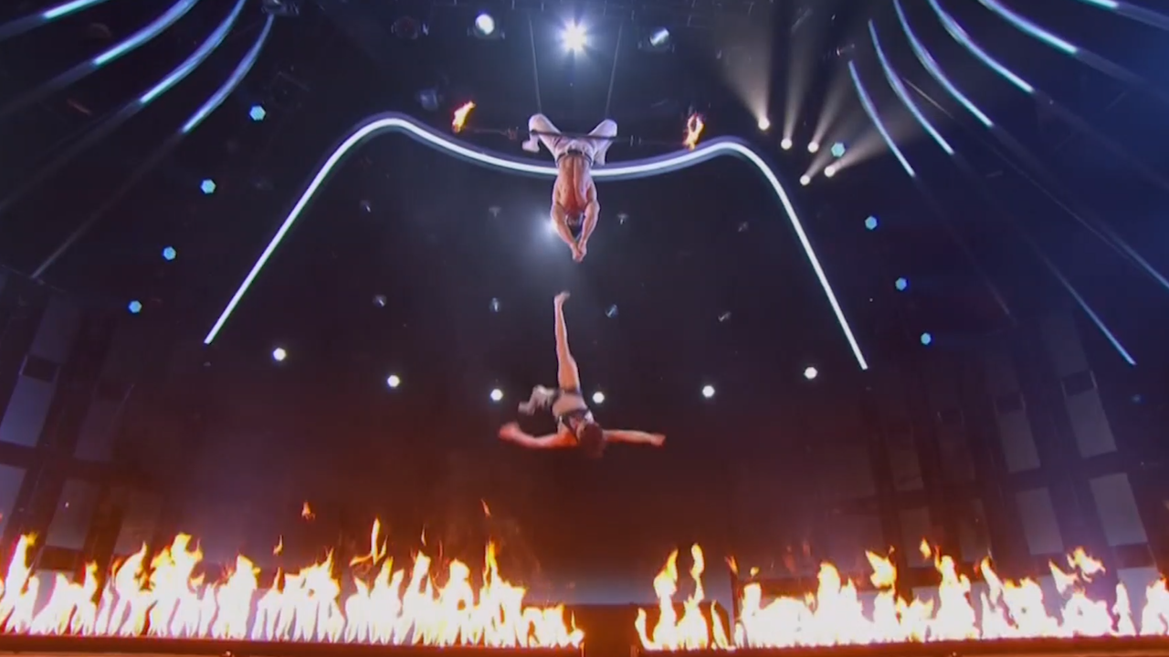trapeze act experiences painfully epic fail on america s got talent