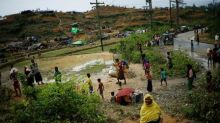 Bangladesh says to meet with Myanmar on Rohingya trapped at border