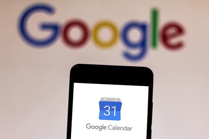 BRAZIL - 2019/06/11: In this photo illustration the Google Calendar logo is displayed on a smartphone. (Photo Illustration by Rafael Henrique/SOPA Images/LightRocket via Getty Images)