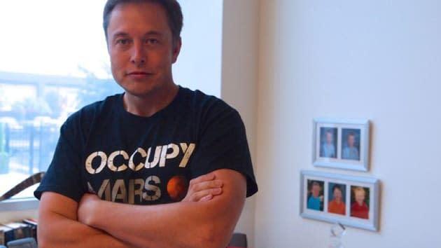 Elon Musk spills details on SpaceX's $10 billion space internet venture