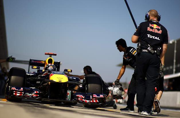 Elon Musk hires an F1 expert to revolutionize Tesla's pit stops