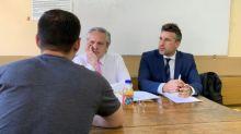Presidente argentino toma examen a sus alumnos en la facultad de Derecho