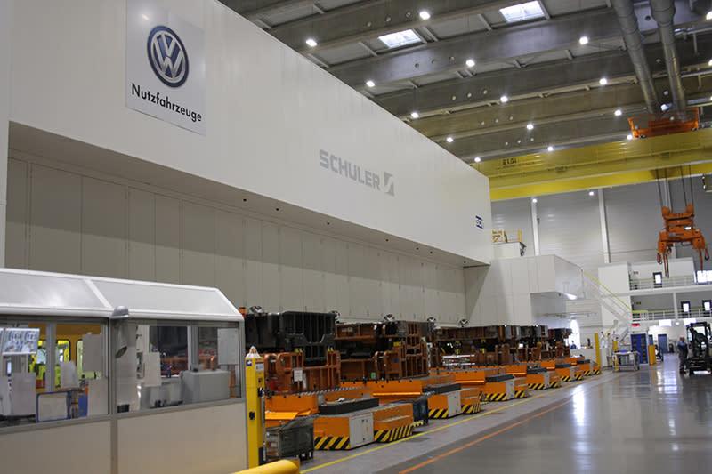 Hannover-Stöcken工廠擁有全歐洲最大也最先進的沖壓機,量體大到簡直有如廠中之廠。