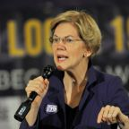 Elizabeth Warren takes risk with ad blasting billionaires