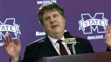 Leach's noose tweet leads to player transfer