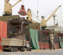 Street battles rage in Yemen's Hodeidah, civilians caught in crossfire