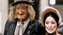 'Worzel Gummidge' Set For TV Return Starring 'The Office' Star Mackenzie Crook
