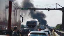 Furgone portavalori assaltato in Puglia, spari e auto incendiate