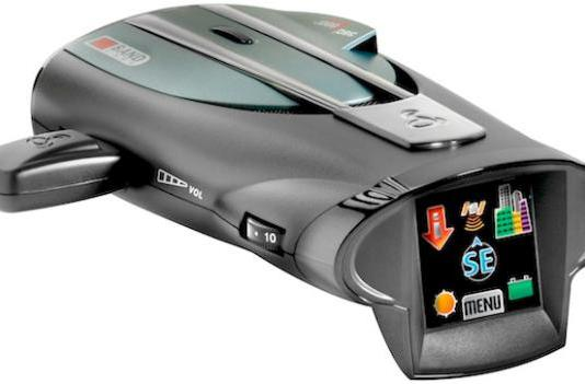 Cobra XRS 9970G radar detector has a touchscreen, will not make radar detectors useful