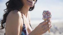 Tomarte un helado al día (y morder hielo) no es buena idea