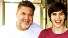 'Tenho medo de morrer e deixá-la sozinha': conheça o pai que se dedica em tempo integral à filha com síndrome de Angelman