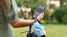 Covid-19 : trois questions sur l'étude démontrant que le virus peut rester 28 jours sur un smartphone ou une poignée de porte