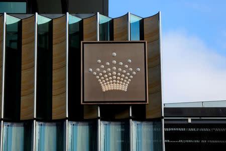 australian sues casino