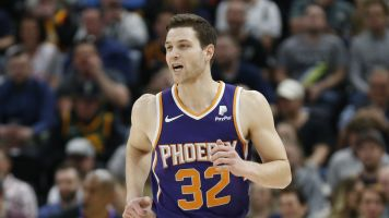 Warriors invite Jimmer to Summer League