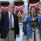 Democratic, Administration Negotiators at Loggerheads Over $600 Jobless Benefit