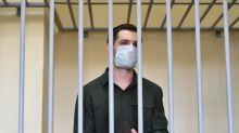 Americano é condenado a nove anos de prisão na Rússia por agredir policiais